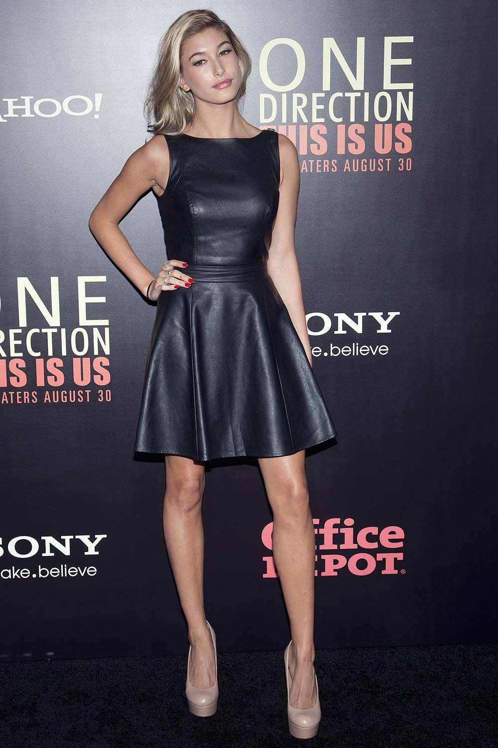 Hailey Baldwin attends the One Direction This Is Us world premiere
