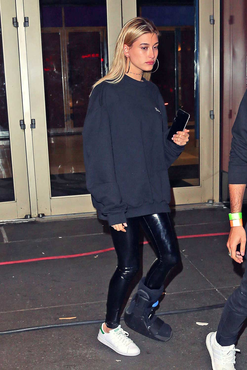 Hailey Baldwin leaving Drake's SNL After Party