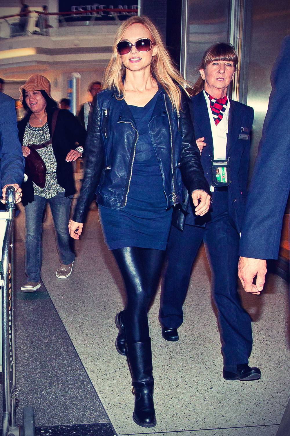 Heather Graham at LAX in Los Angeles