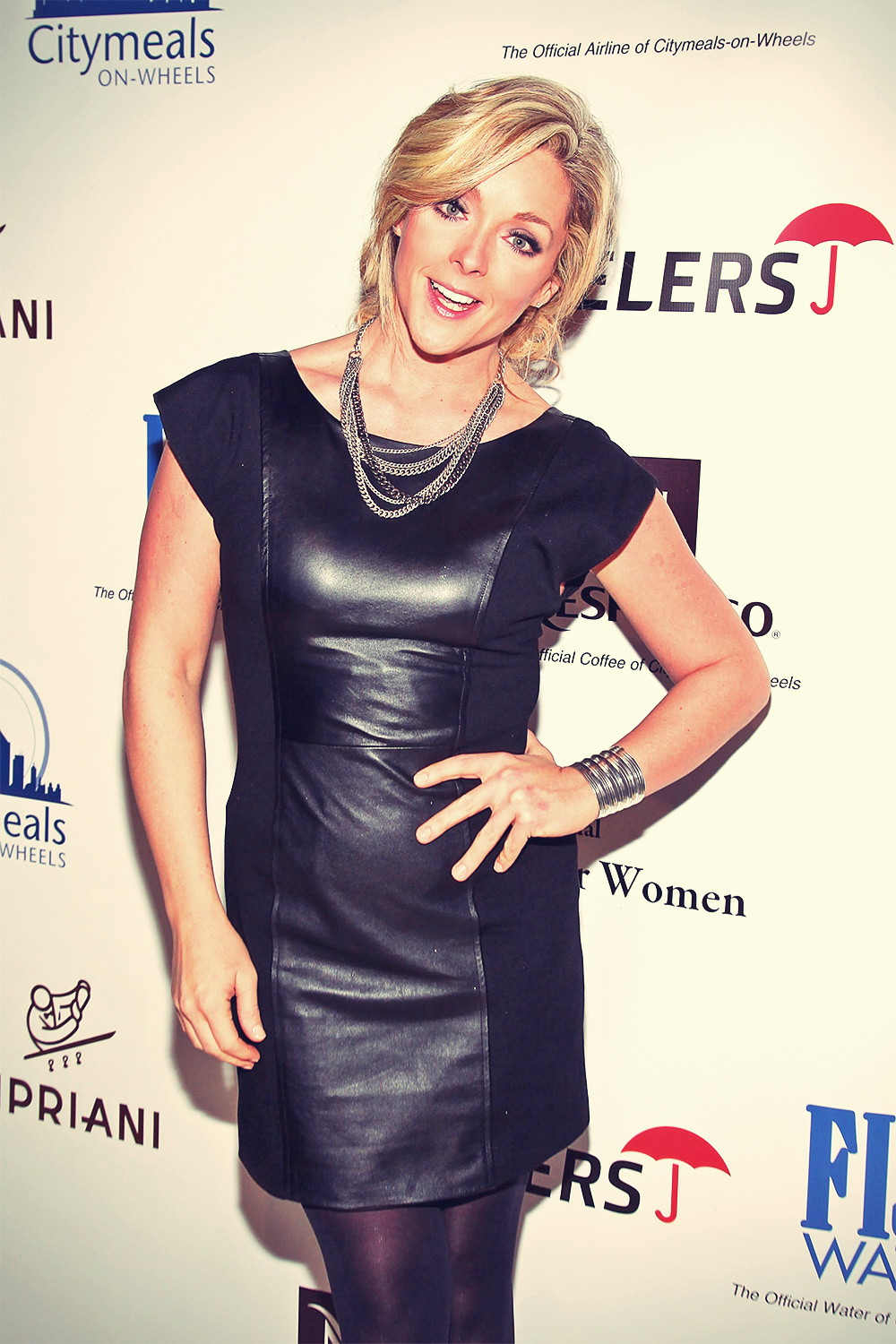 Jane Krakowski attends 23rd Annual Power Lunch For Women