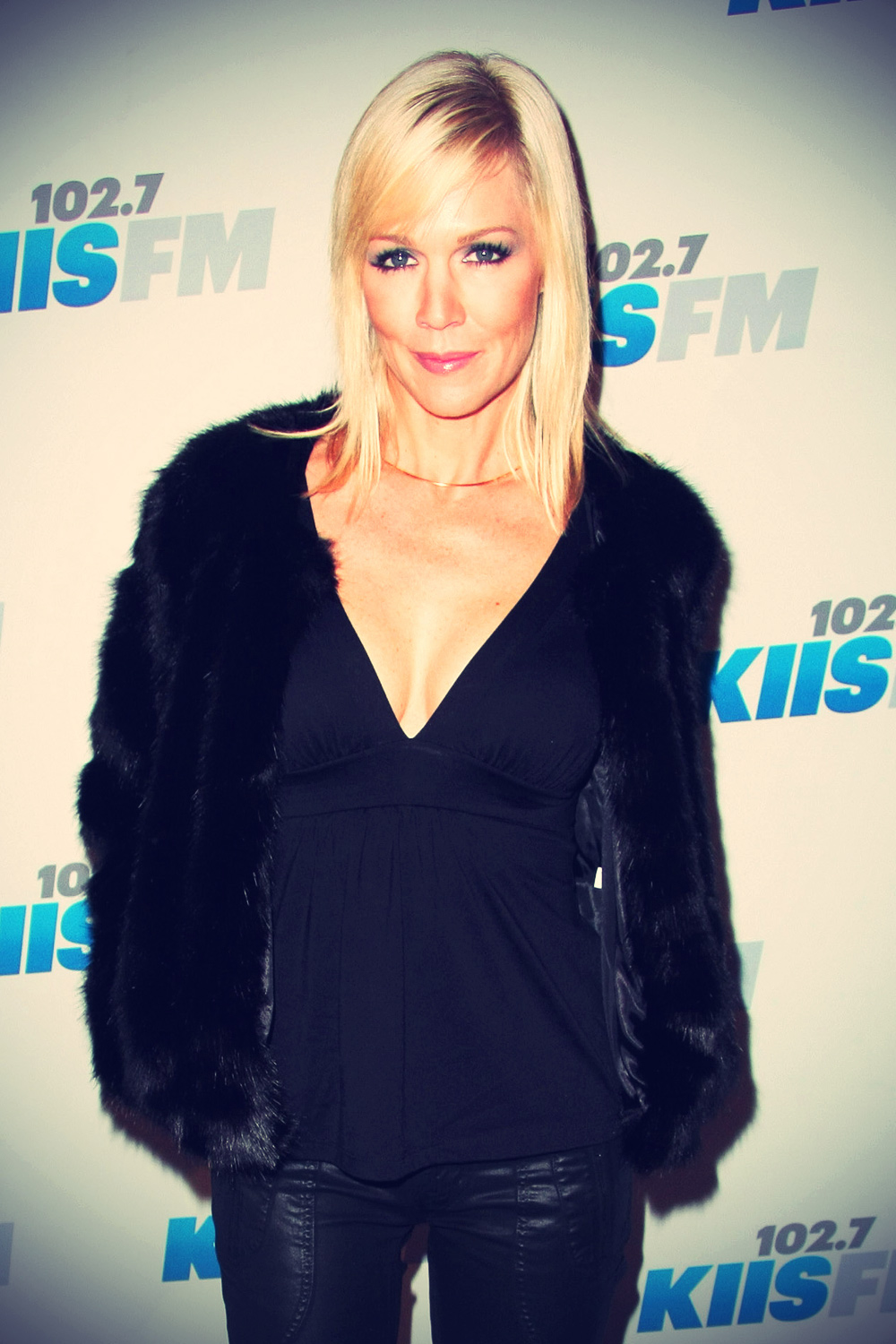 Jennie Garth attends KIIS FM's 2012 Jingle Ball