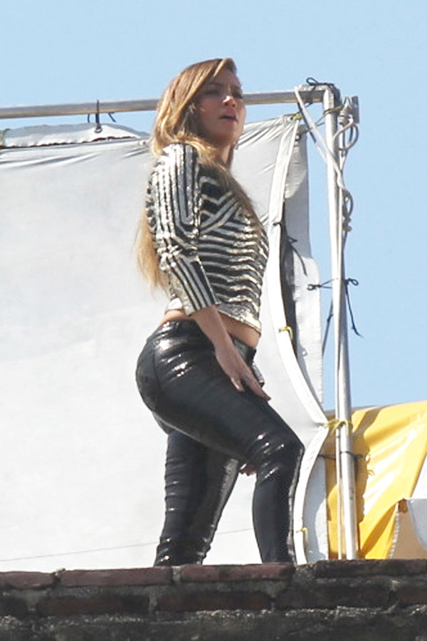 Jennifer Lopez films a music video in Acapulco