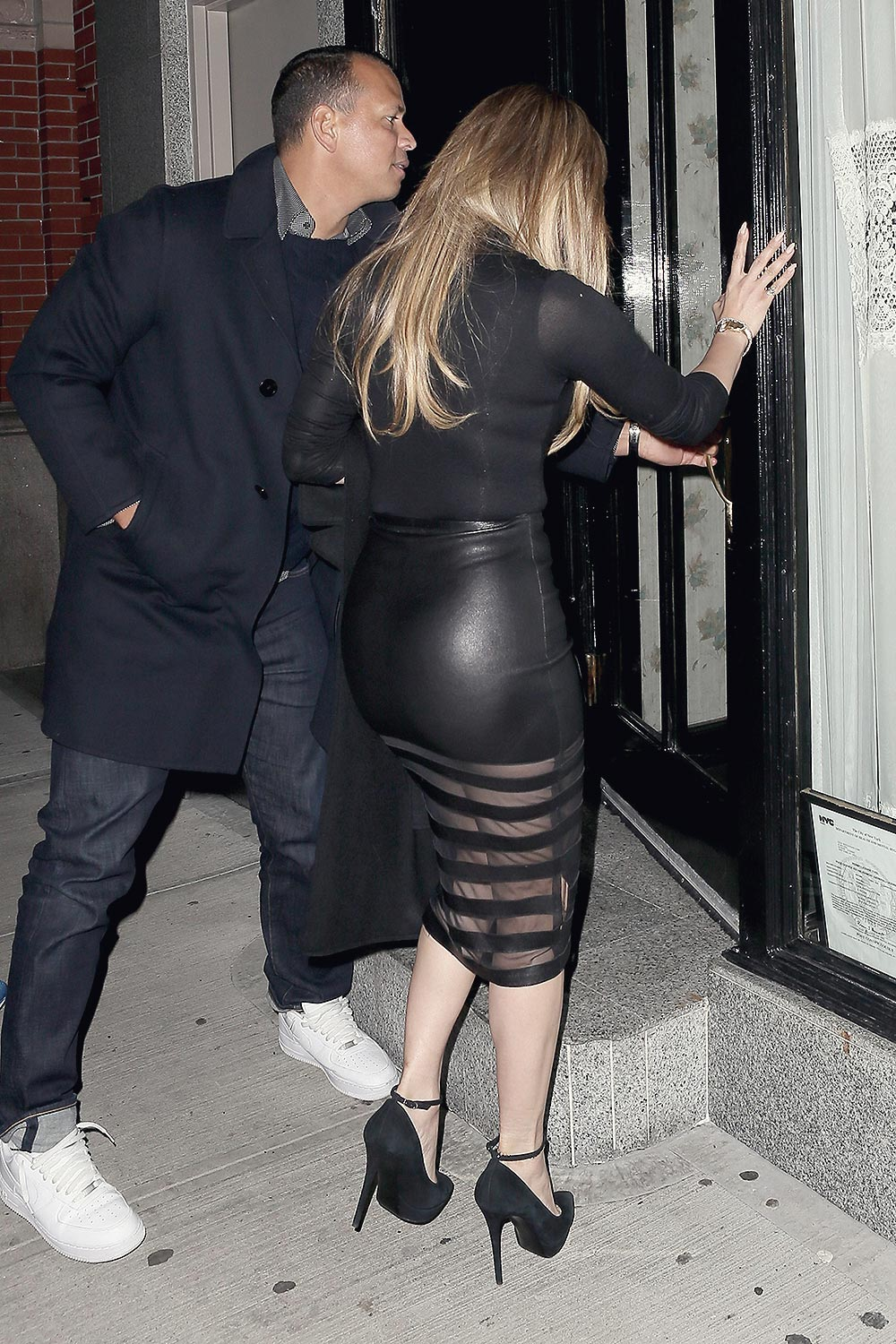Jennifer Lopez Seen At A Night Out At Il Mulino Leather