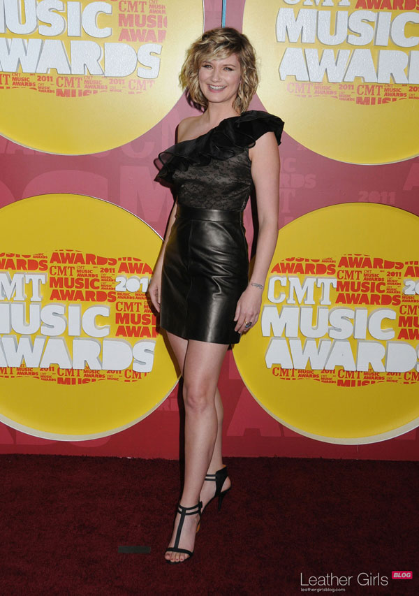 Jennifer Nettles CMT Music Awards in Nashville