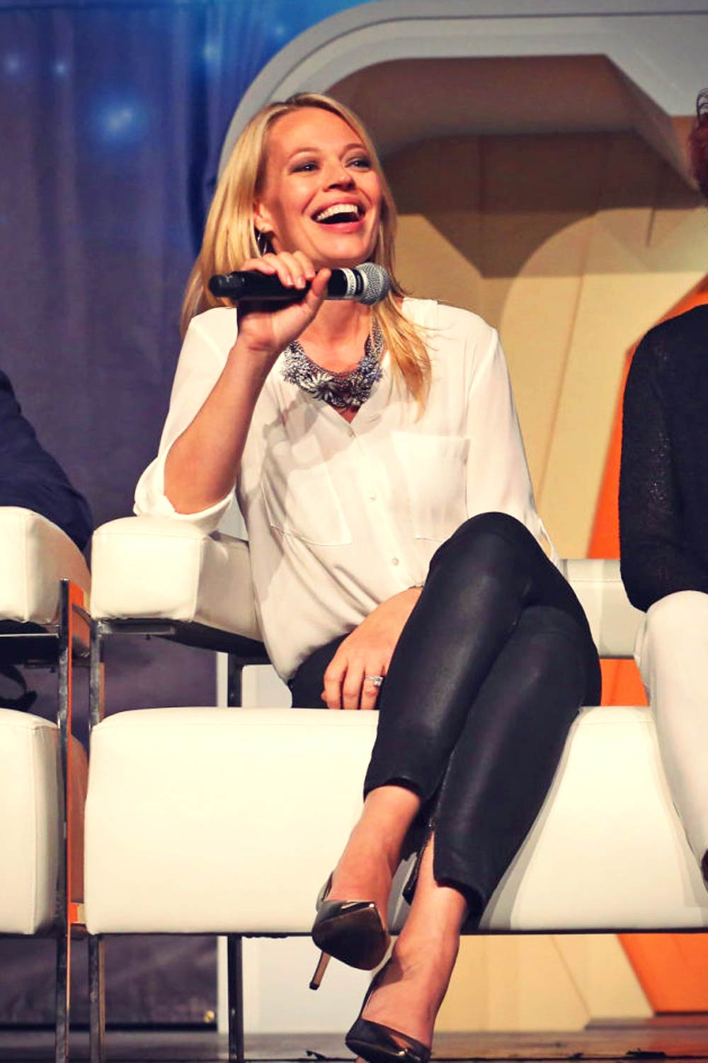 Jeri Ryan attends 14th Annual Official Star Trek Convention