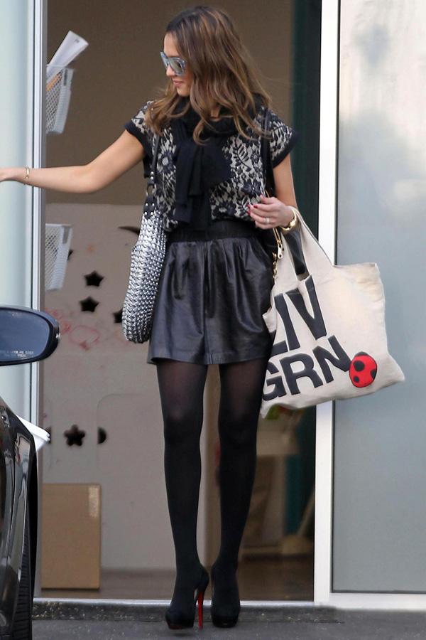 Jessica Alba leaves her office in Santa Monica