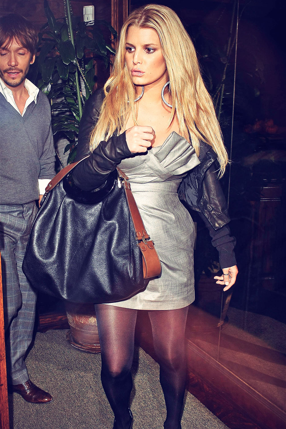 Jessica Simpson leaving Madeo's restaurant