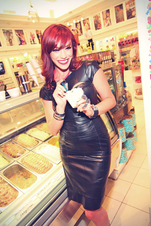 Jessica Sutta Visits Sugar Factory's Goblet Bar