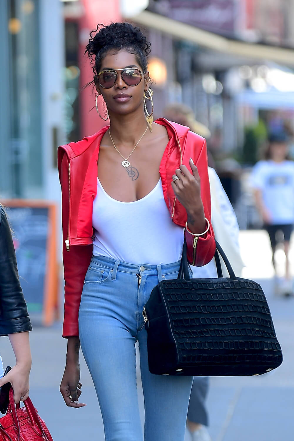 Jessica White steps out in NYC