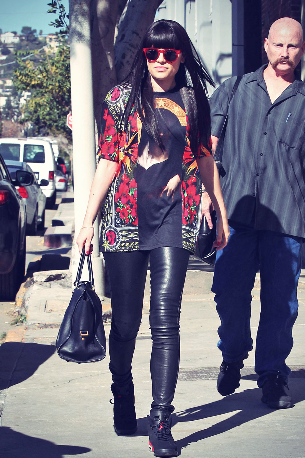 Jessie J heads into a studio in LA
