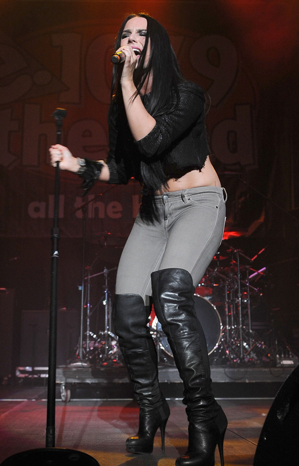 "Joanna ""Jojo"" Levesque at 2011 Jingle Ball"