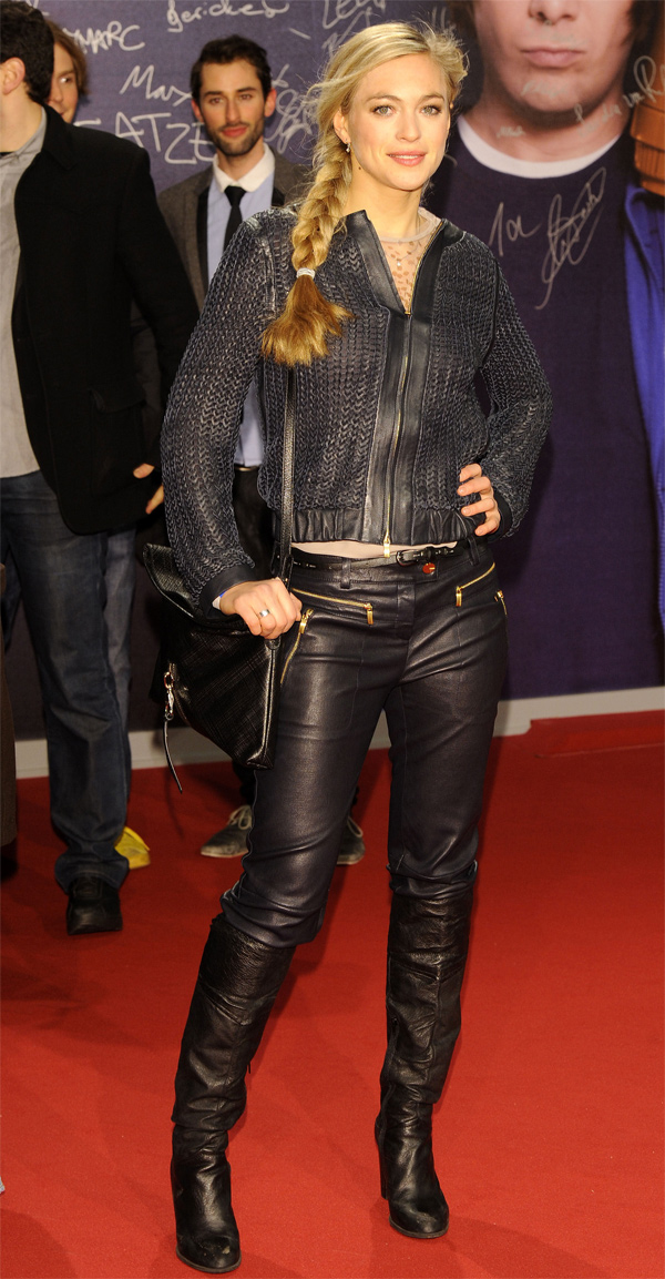 Julie Engelbrecht at Filmpremiere von JONAS