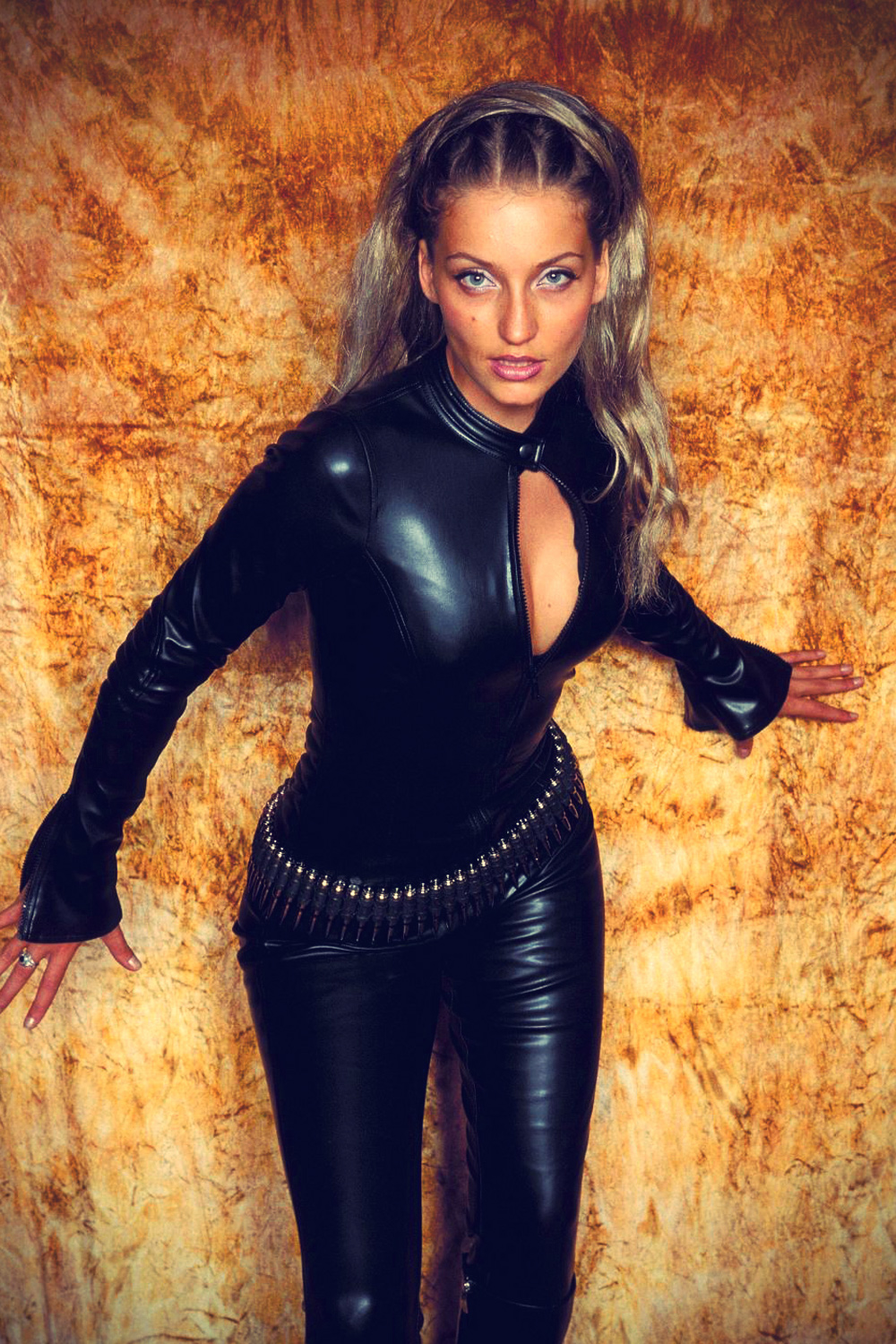 Juliette - Sexy Photoshoot in Catsuit