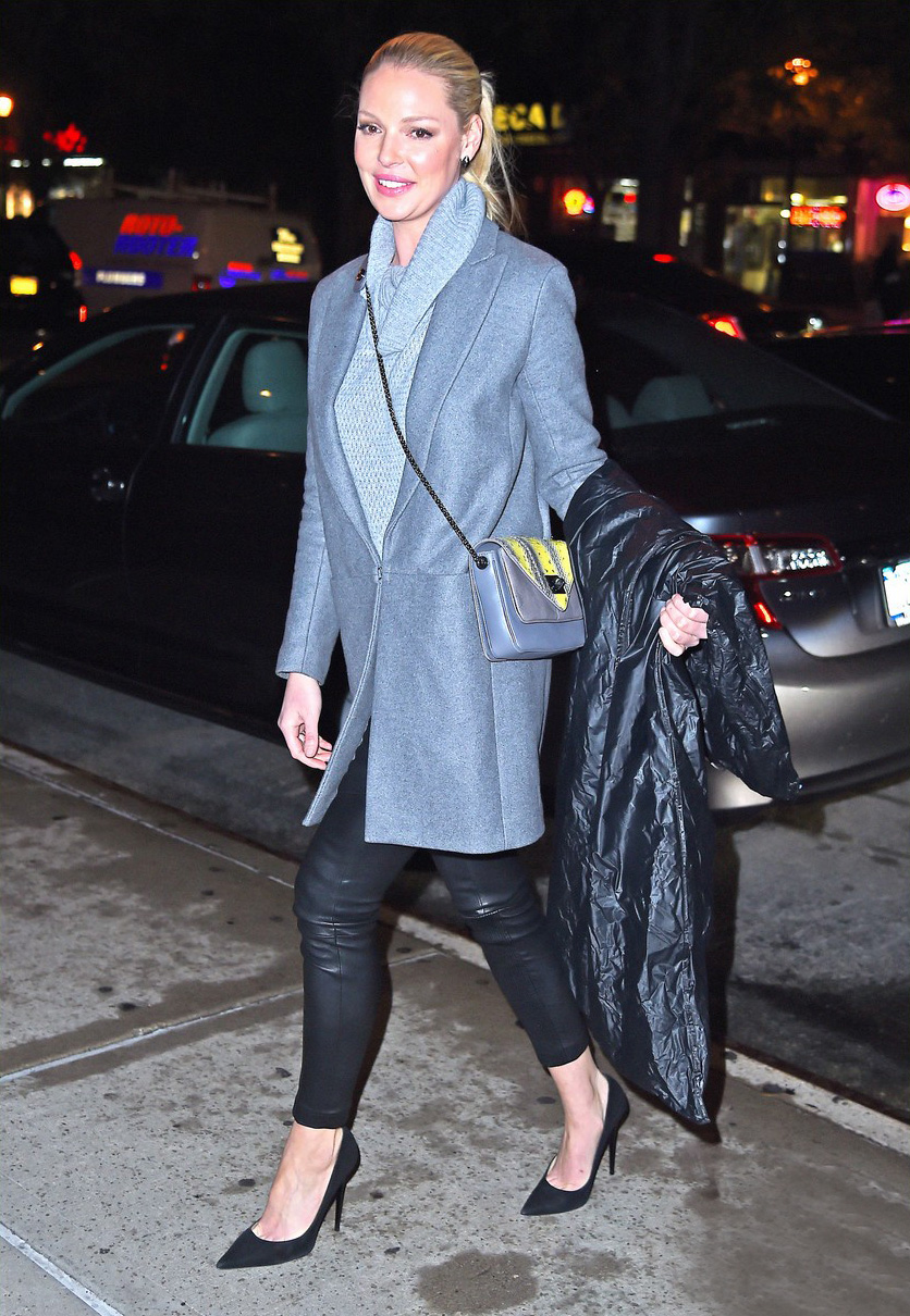 Katherine Heigl returns to her hotel in New York City