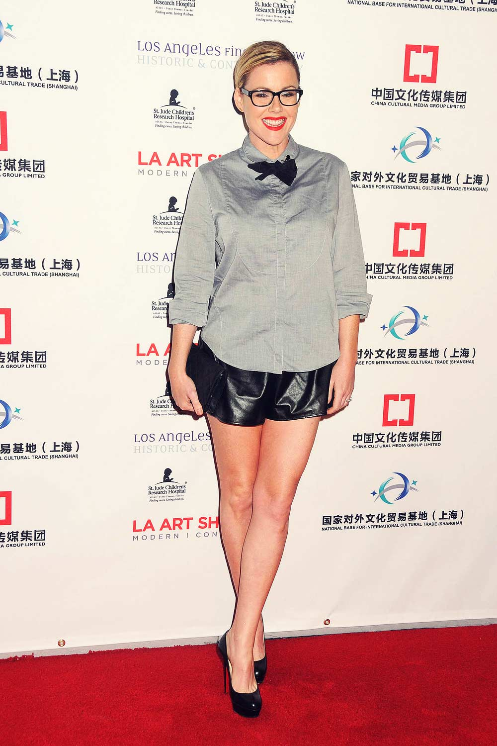 Kathleen Robertson attends LA Art Show 2016 Opening Night