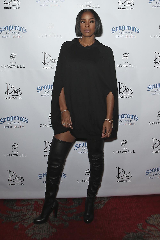 Kelly Rowland performs at Drai's Beach Club