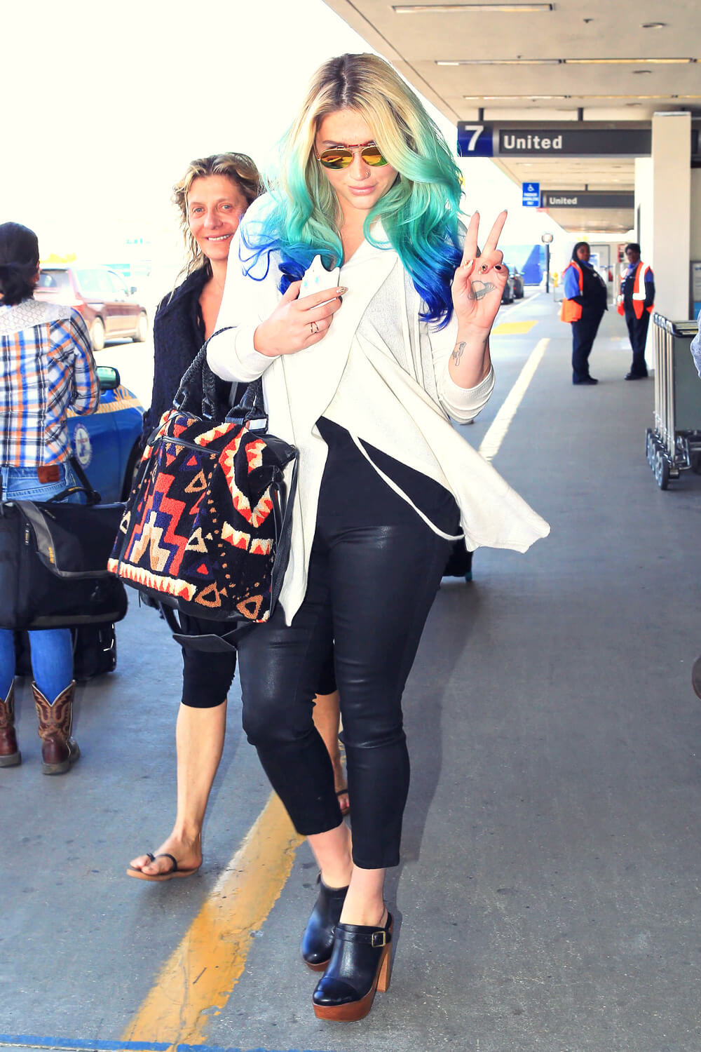 Kesha at LAX Airport