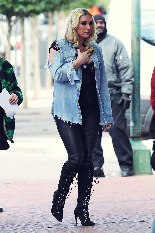 Kesha heading to the set of Bad Moms