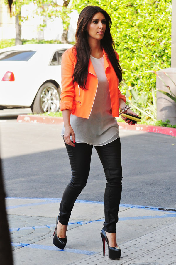 Kim Kardashian leaving her production office