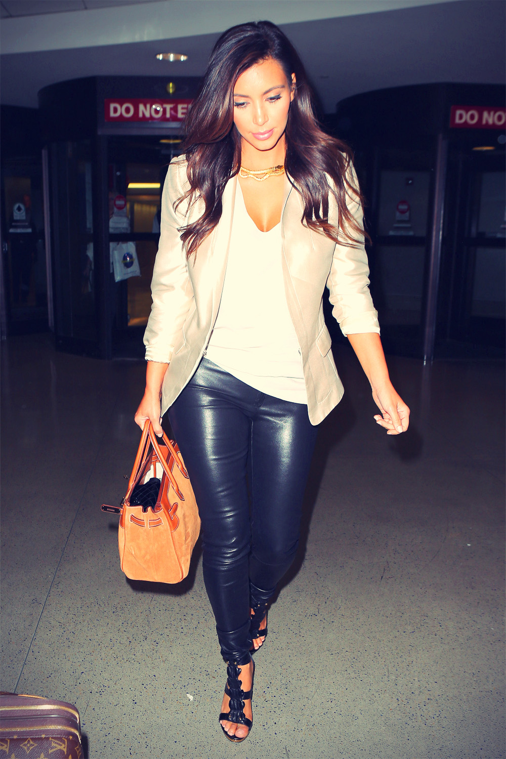Kim Kardashian flight out of LAX