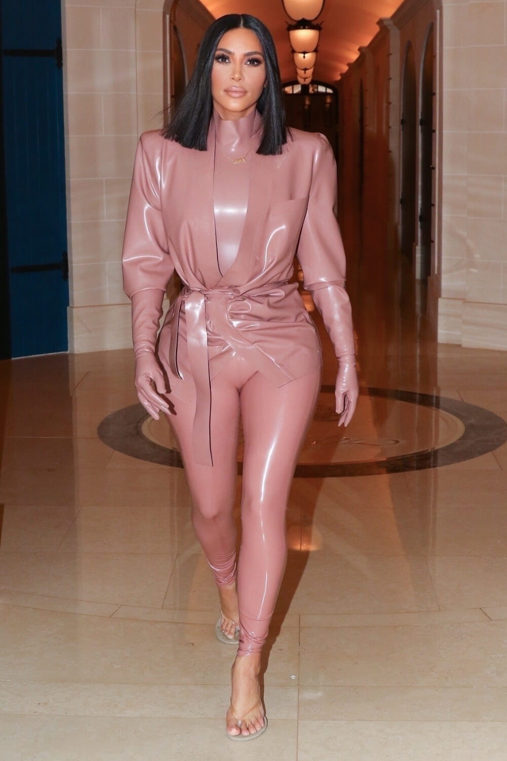 Kim Kardashian heads out to dinner in Paris
