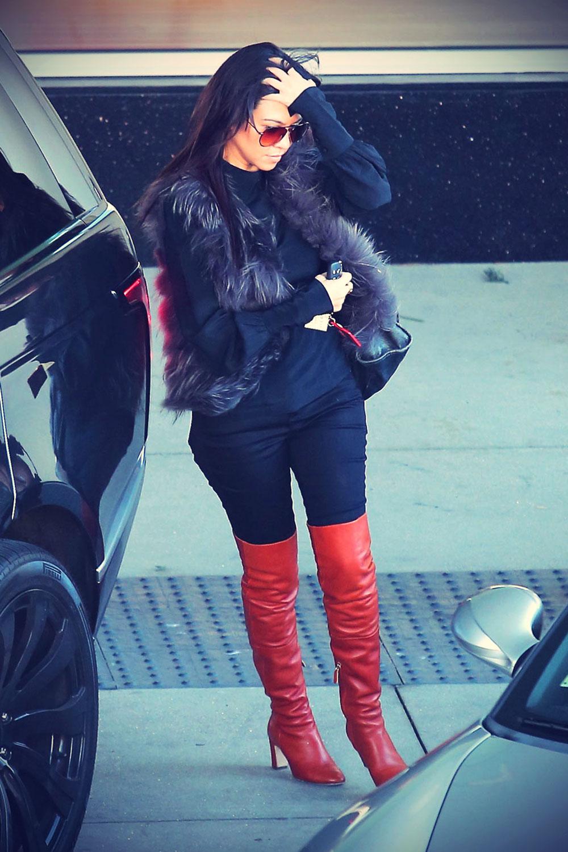 Kourtney Kardashian shopping in Topanga Canyon
