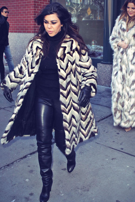 Kourtney and Khloe Kardashian shopping