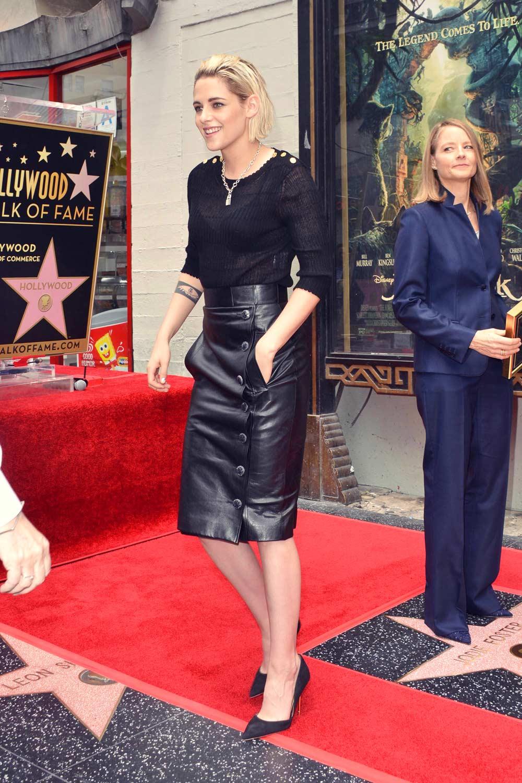 Kristen Stewart Attends Jodie Foster S Walk Of Fame