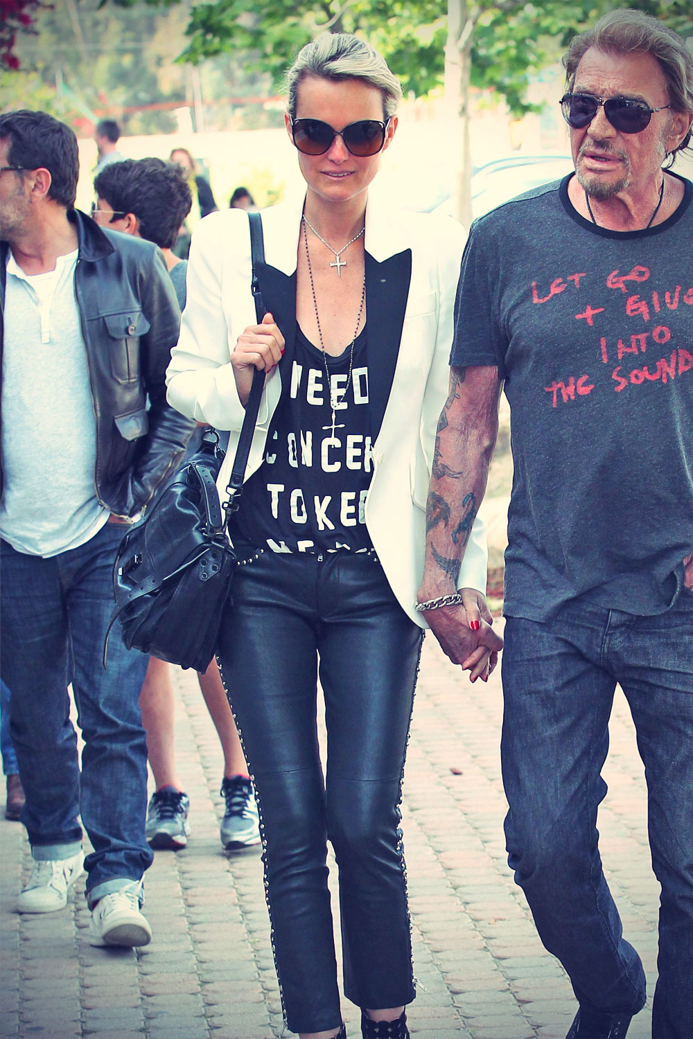 Laeticia Hallyday shopping with friends