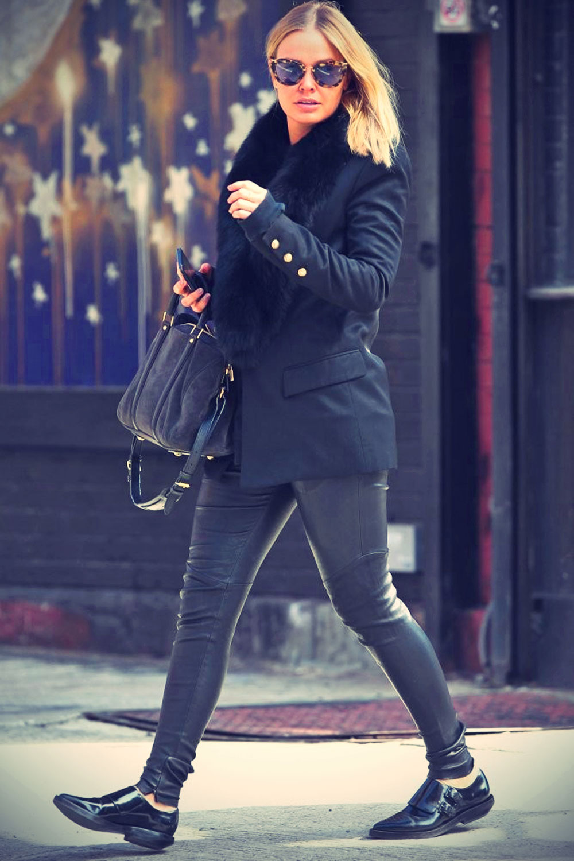 Lara Bingle Shops in NYC