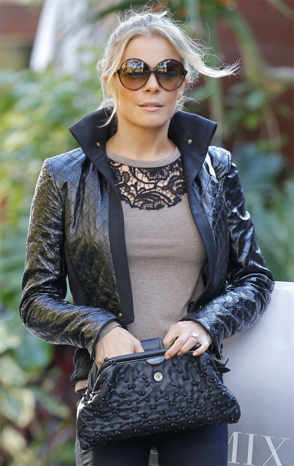 LeAnn Rimes shopping at Intermix in Malibu