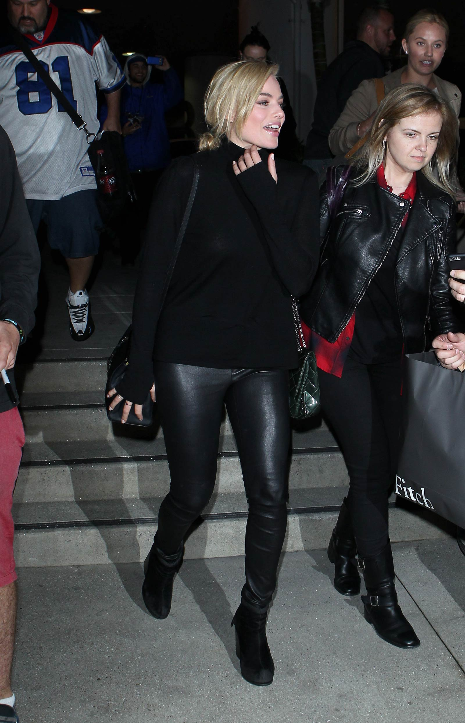 9ffe11ff4ae979 Margot Robbie LAX departure candids in Los Angeles - Leather Celebrities