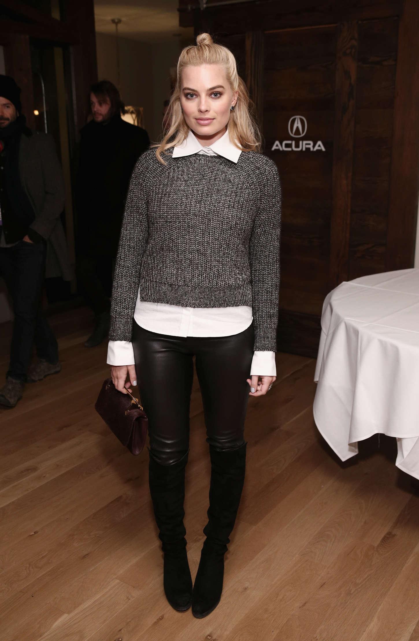 Margot Robbie attends the Z for Zachariah Dinner