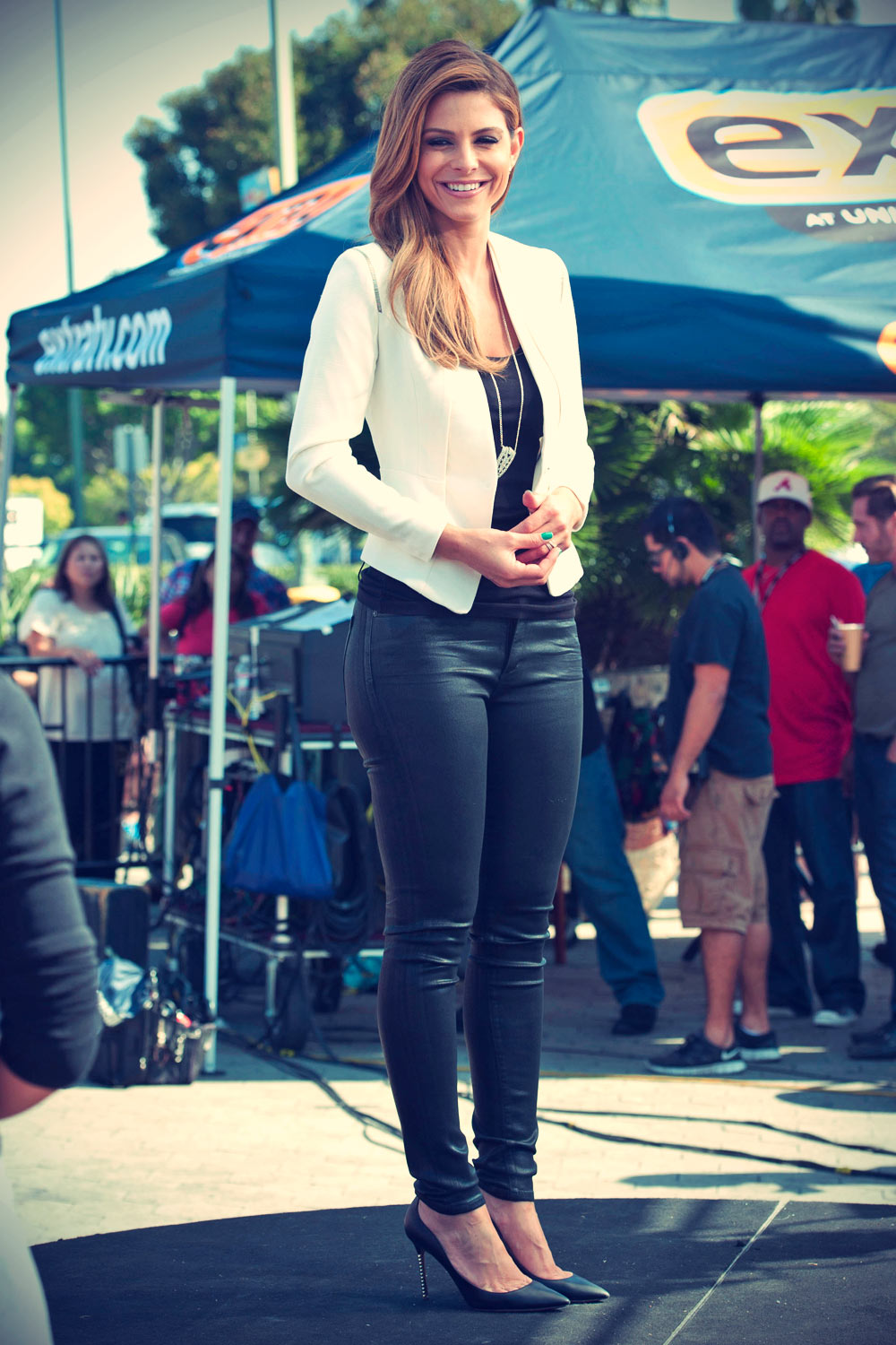 Maria Menounos on Extra at Universal Studios Hollywood