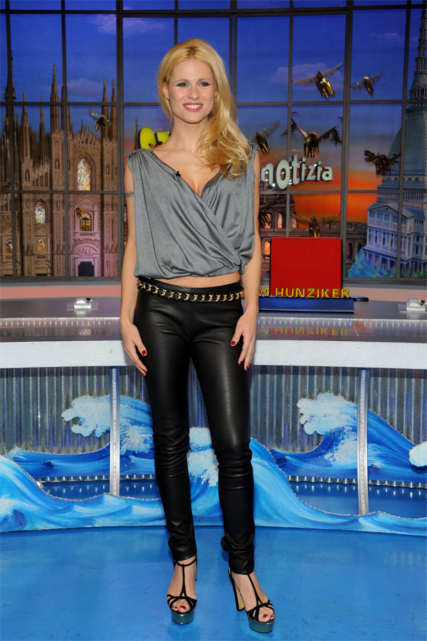 Michelle Hunziker at Striscia la Notizia on Canale 5