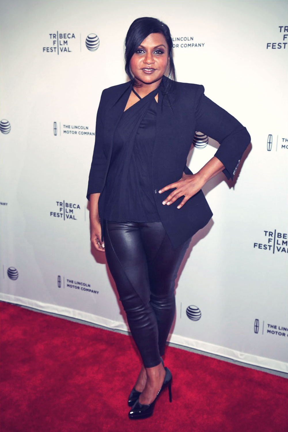 Mindy Kaling attends the premiere Alex of Venice