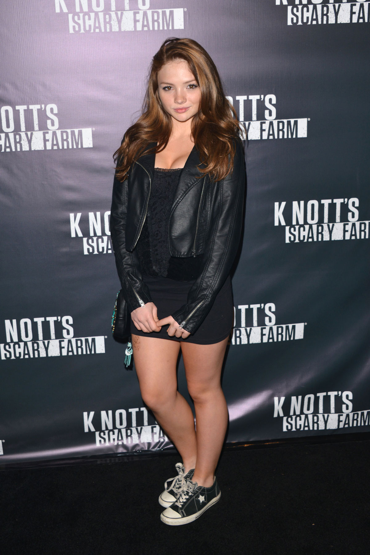 Natalie Alyn attends Lind Knotts Scary Farm Opening