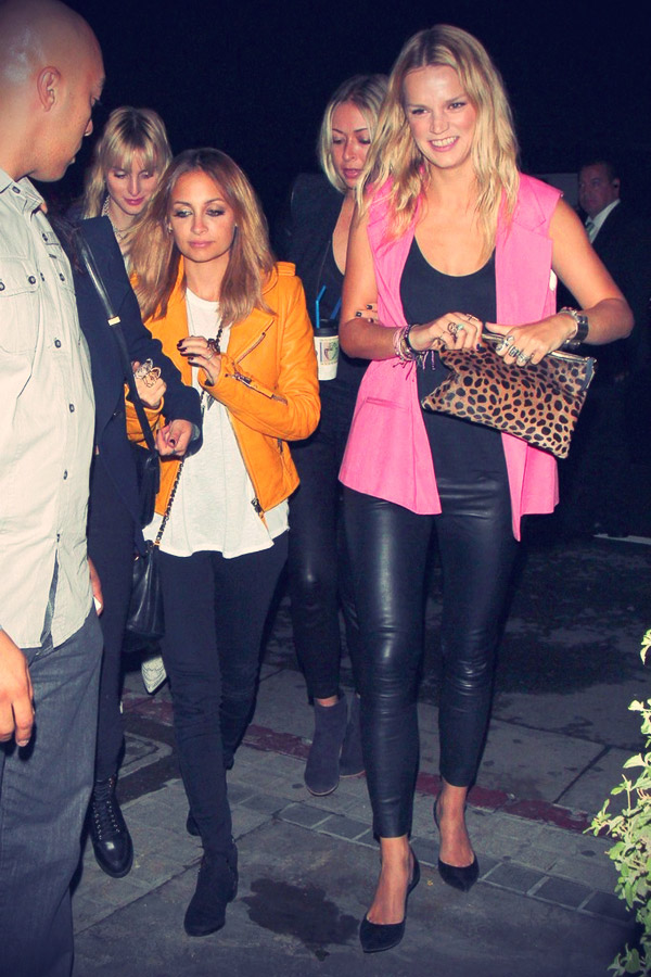 Nicole Richie and friends arrive to the Maddona concert