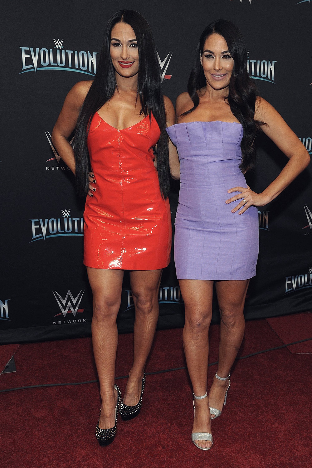 Nikki Amp Brie Bella Attend Wwe S First Ever All Women S