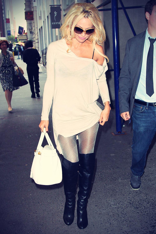 Pamela Anderson at Michaels Restaurant