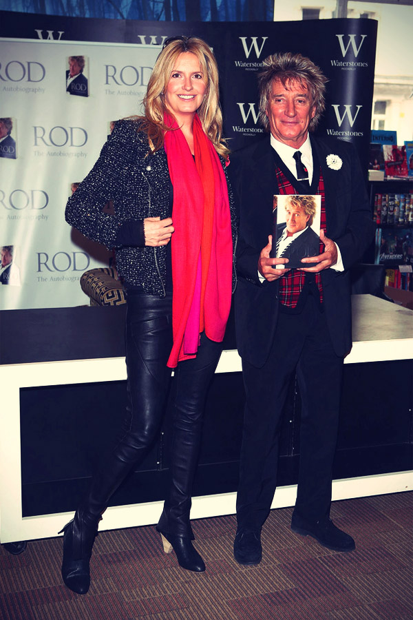 Penny Lancaster with her husband Rod Stewart meet fans