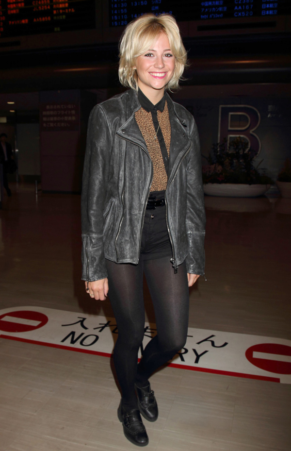 Pixie Lott at Narita International Airport