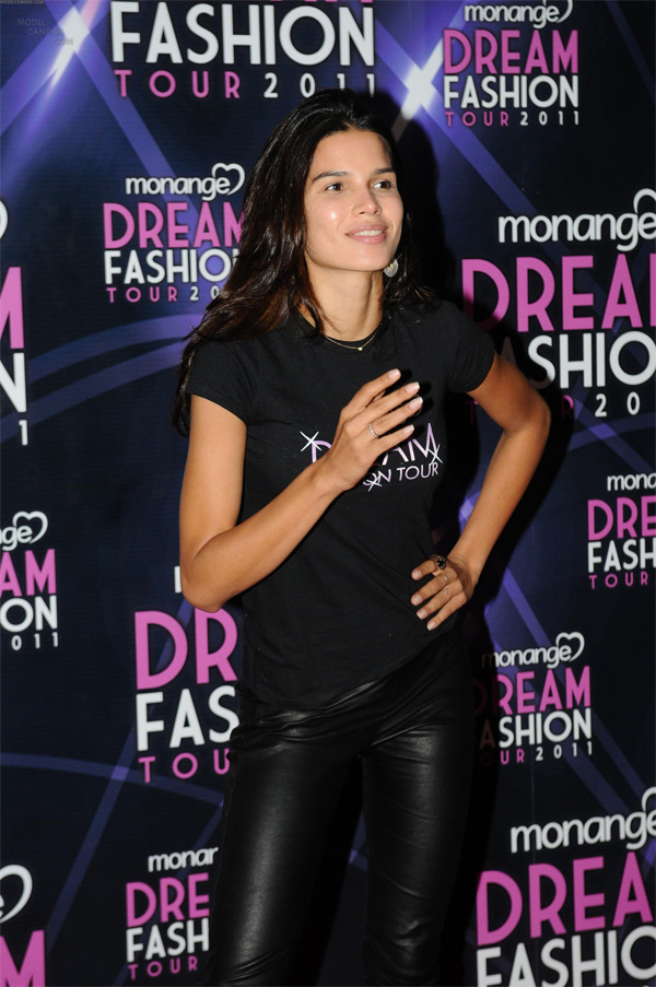 Raica Oliveira at MDFT After Party