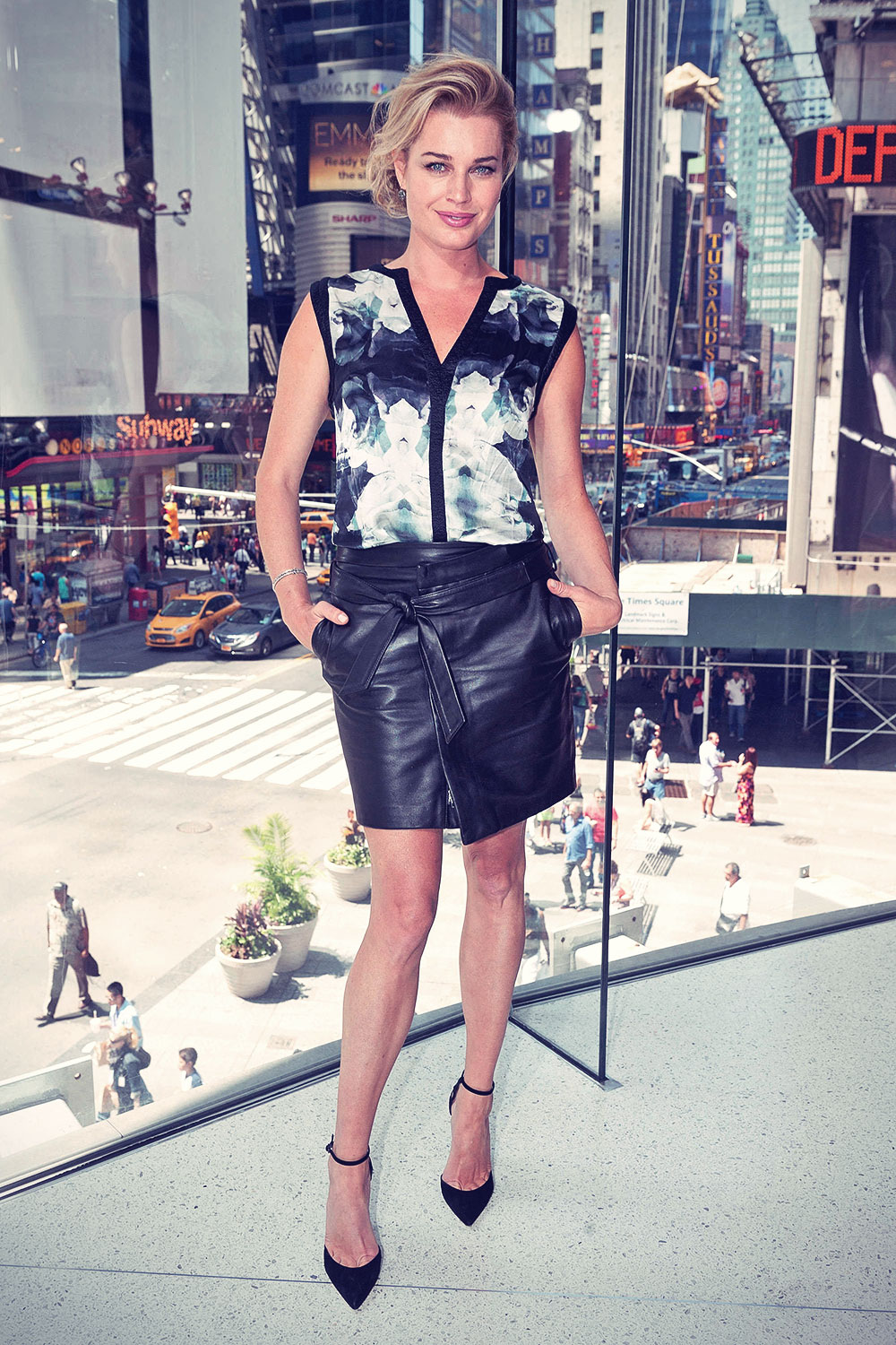 Rebecca Romijn visits Extra at their New York studios