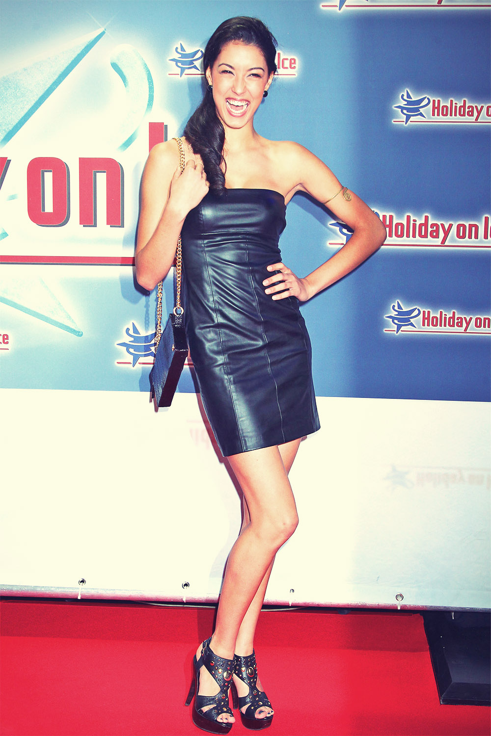 Rebecca Mir attends Gala Premiere Holiday on Ice