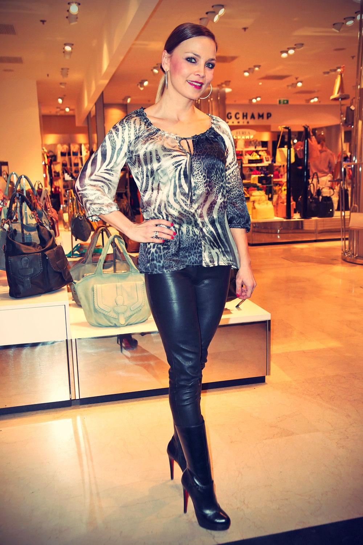Regina Halmich Fashion Saison Eröffung im Galeries Lafayette