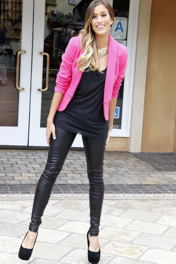 Renee Bargh arrives at The Grove to do an interview for the show EXTRA in LA