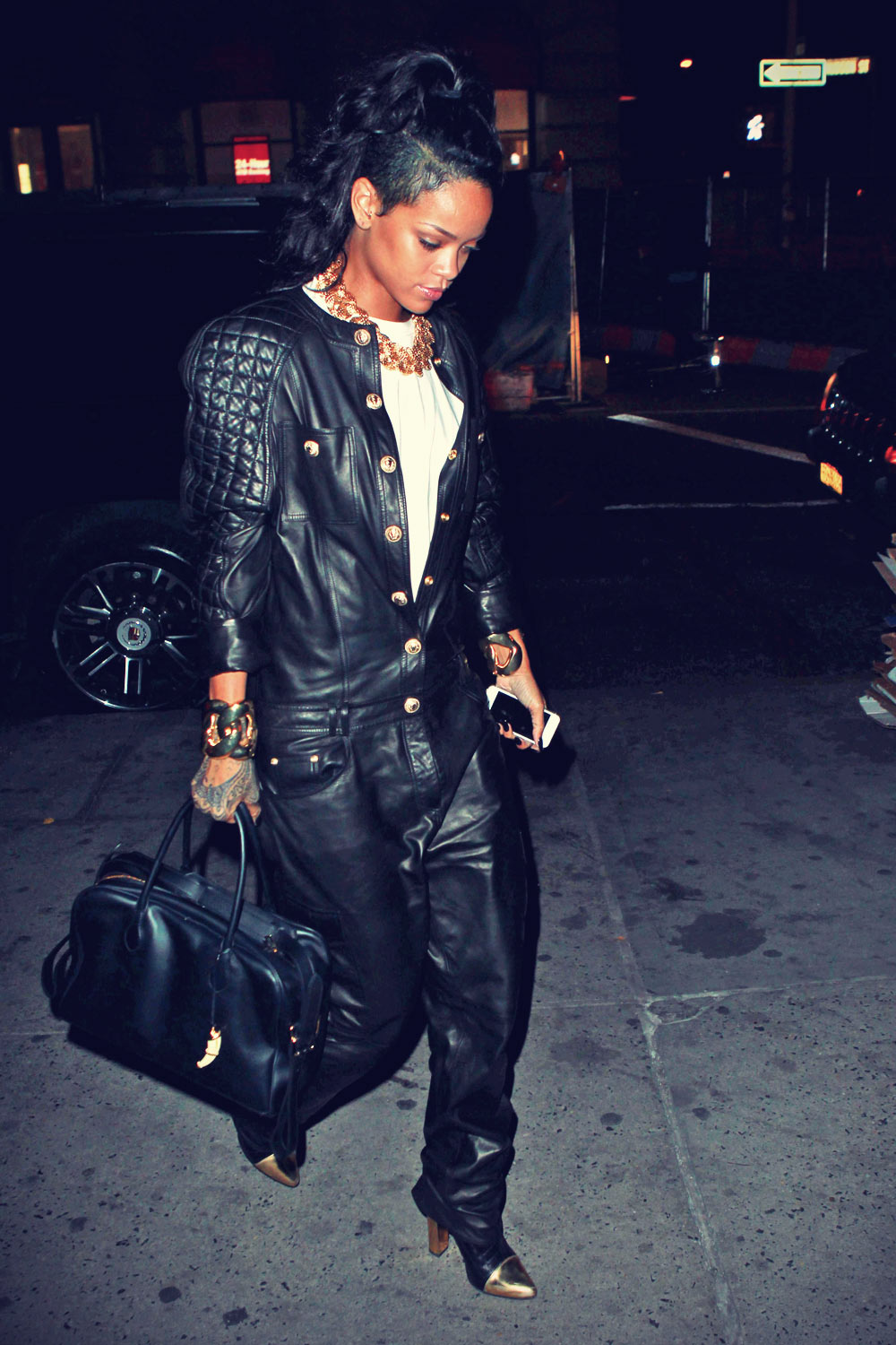 Rihanna dinners at Nobu restaraunt in New York