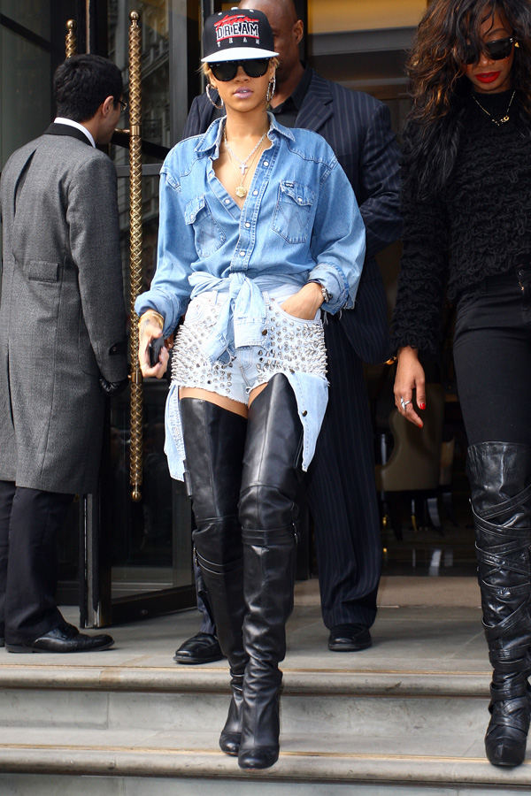Rihanna leaving her Hotel in London