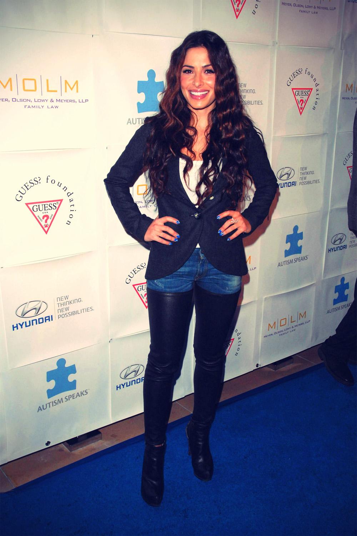 Sarah Shahi at Blue Tie Blue Jean Ball